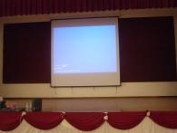lcd-projector-screen-in-school-hall10